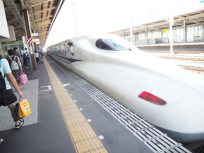 掛川駅の新幹線